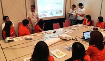 東日本大震災復興支援イベント「STAND UP SUMMIT 2015」に、本学の学生43名がボランティアとして参加しました